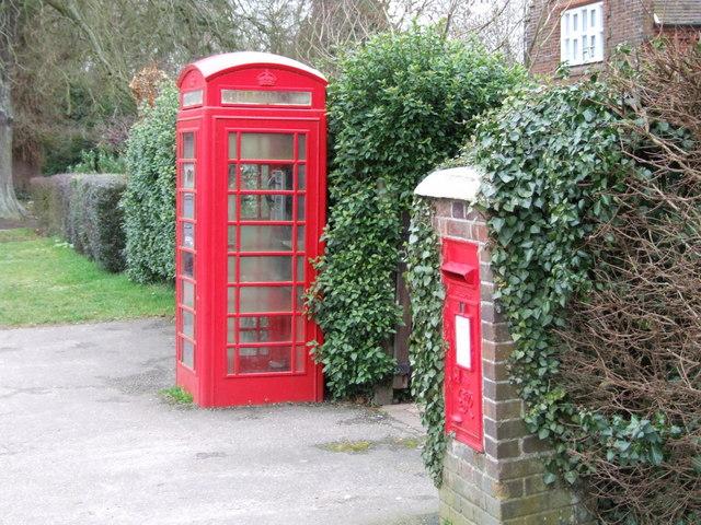 Old Red Telephone Box, Tacolneston