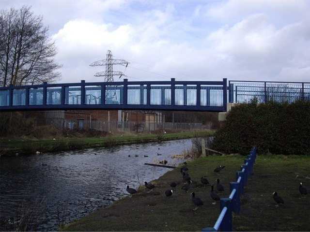 Footbridge over canal, Rimrose Valley Country Park