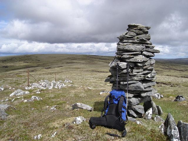 Cairn on ridge south of Sgaraman Nam Fiadh