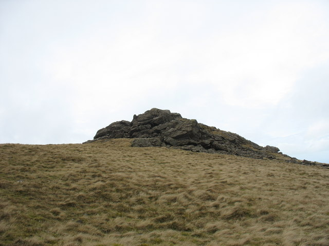 View back to the summit of Gyrn Goch
