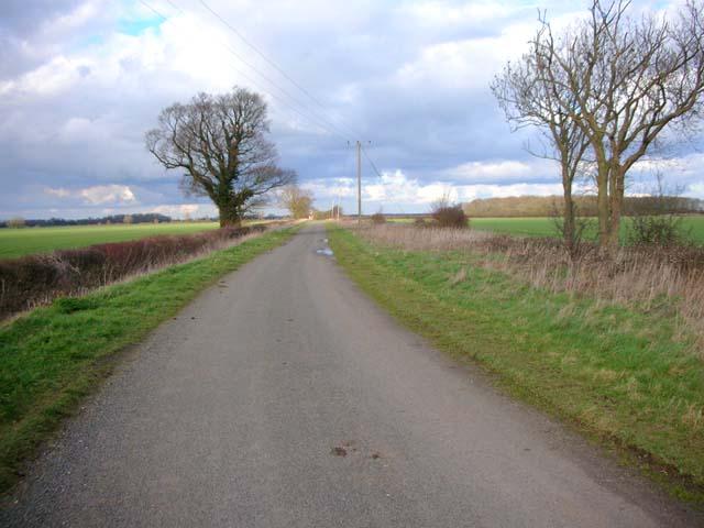 Road from Clopton to Warren Lodge Farm