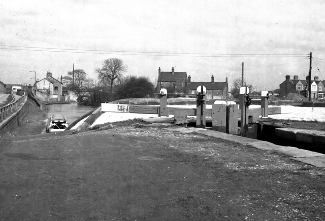 Looking down from Kings Lock, Middlewich, Cheshire