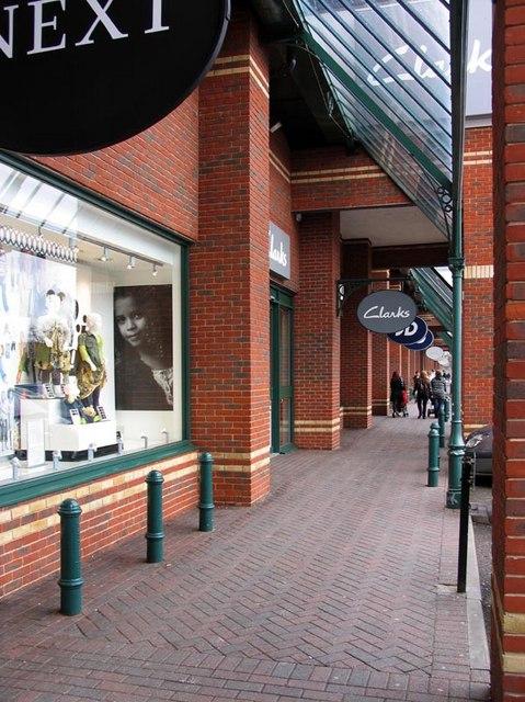Brookfield Retail Park - Walk way