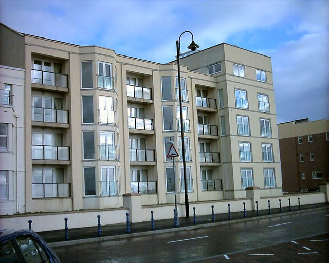 Flats at West End Pwllheli