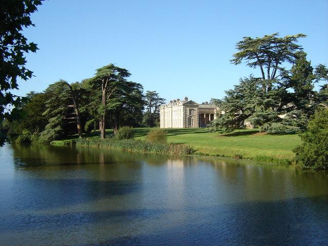 Compton Verney House and Lake