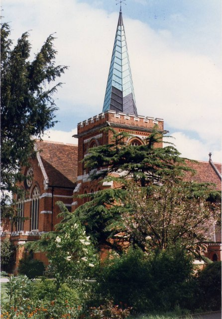 St Peter's Church, Staines