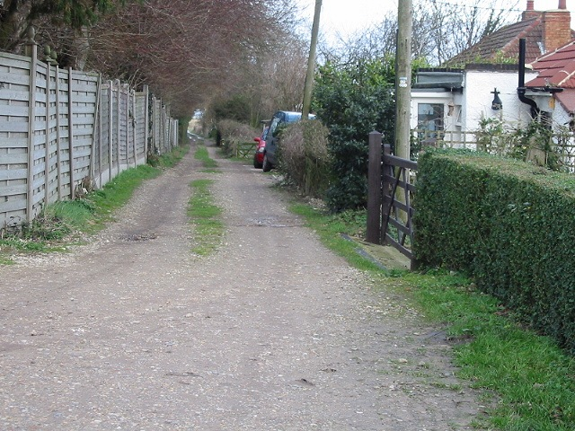 Small lane off to the E of Roman Road
