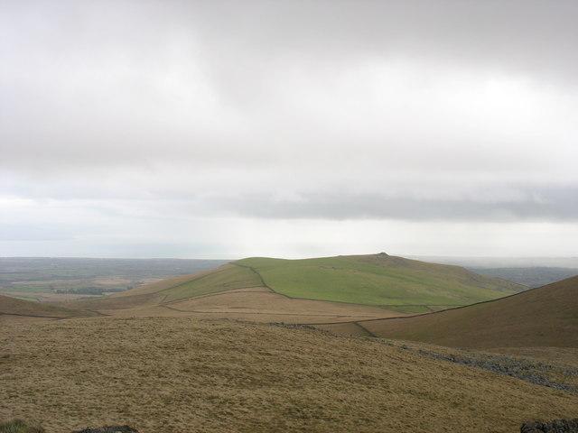 Moel Bronmiod from the summit plateau of Gyrn Goch