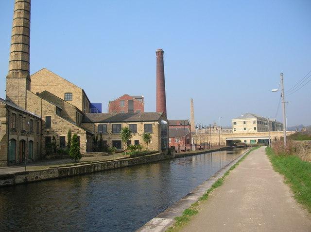 Canal side, Shipley