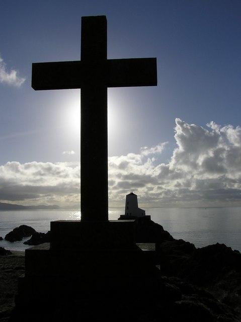 Cross and lighthouse on Llanddwyn Island