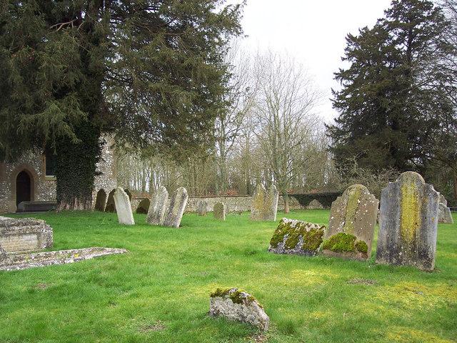 St Mary's Church, Crawley - Churchyard