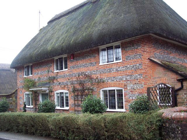 Old Thatch, Crawley