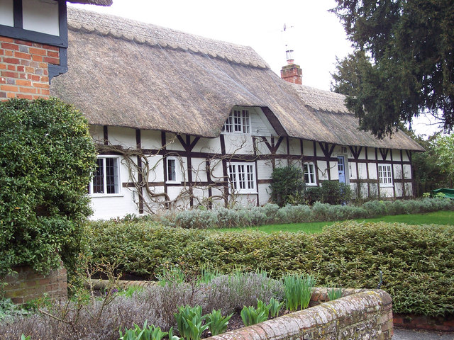 Pretty Thatched Cottages in Crawley