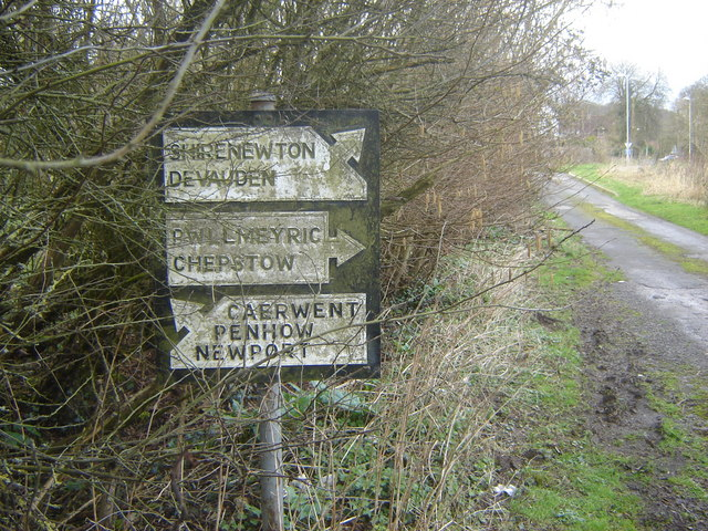 Old road sign, Crick