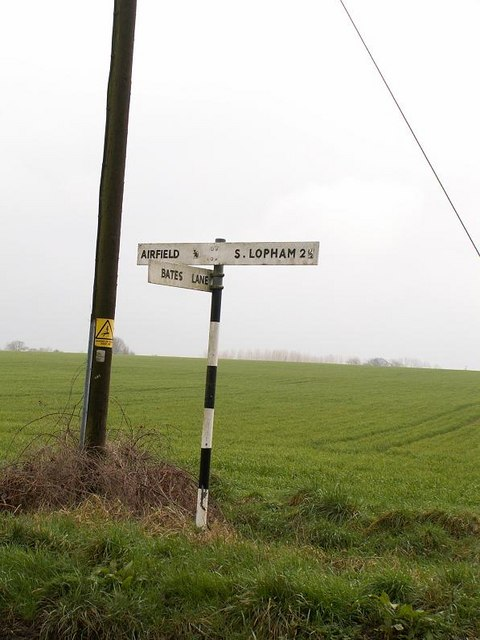 Sign to Fersfield Airfield.