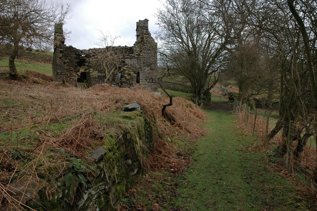 Ruined cottage at Cae-drain