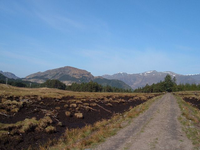 Track towards Coille Doir-ath