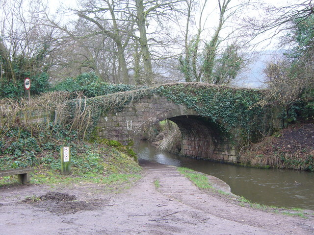 Bridge over Monmouthshire and Brecon canal