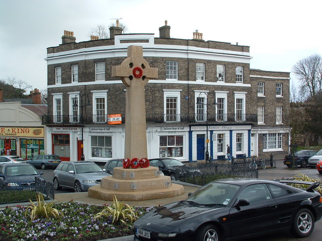 Crescent House Angel Hill