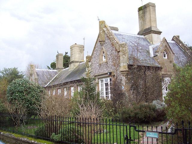 Almshouses, Oving