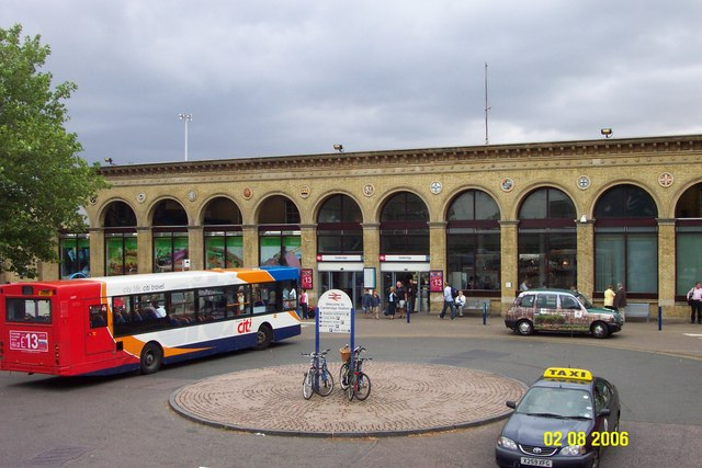 Cambridge Railway Station, front view