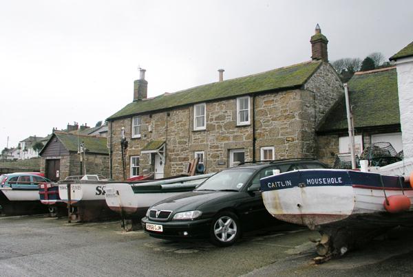 Mousehole harbourside cottages
