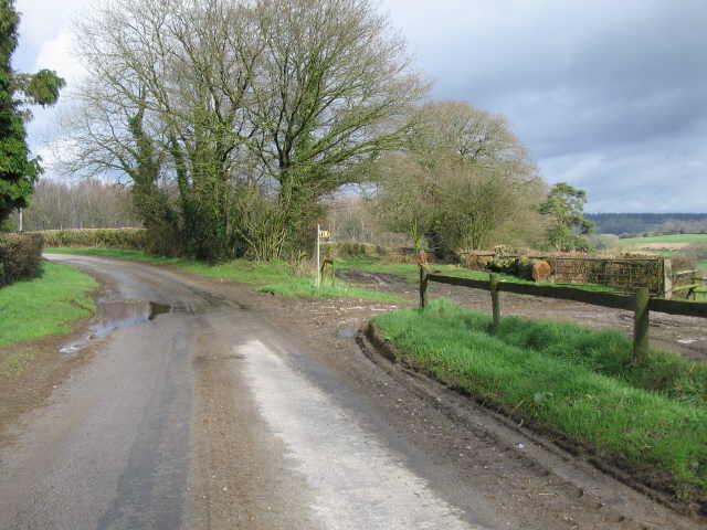 Public Footpath near Round Hill Farm