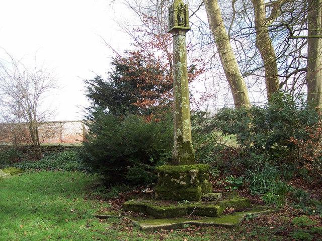 Churchyard cross at the Church of St Mary Magdalene