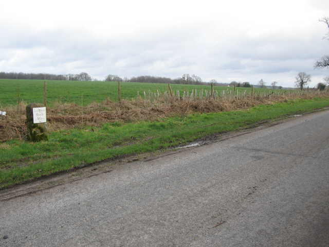Milestone near Round Hill Farm