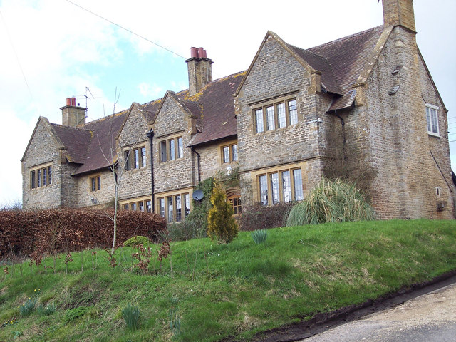 Houses in Fifehead Magdalen