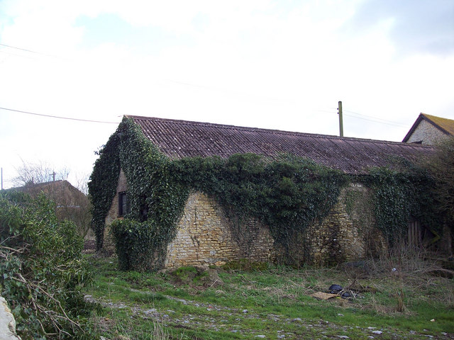 Ivy covered barn, Manor Farm, Stour Provost