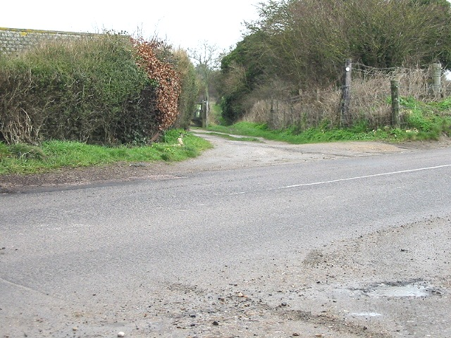 Entrance to bridleway on N of Ringwould Road