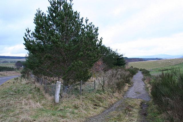 A redundant crescent of roadway by Upper Knockando.