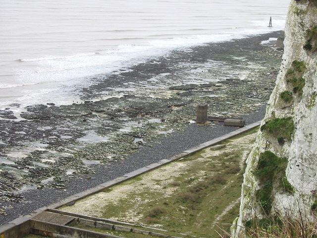 The cliff and beach near Kingsdown