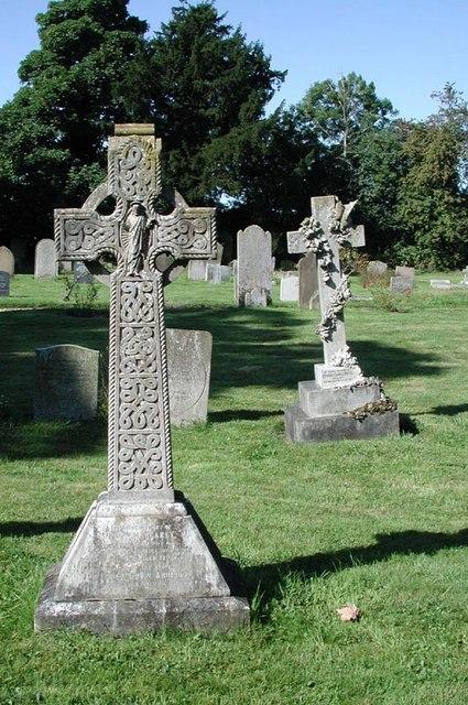St Margaret, Ridge, Herts - Churchyard