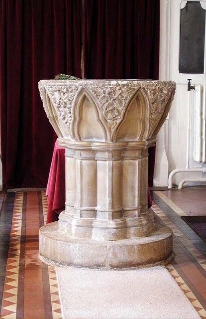 Holy Trinity, Bengeo, Herts - Font