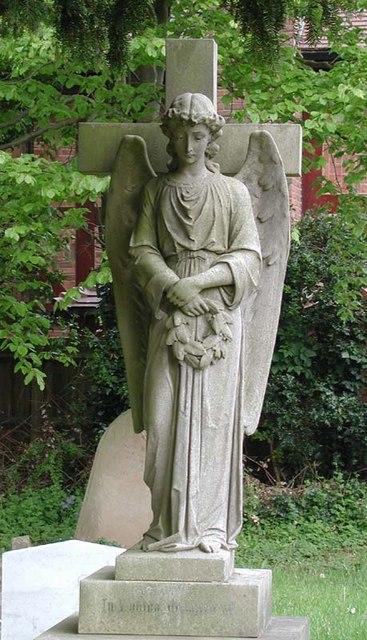 Holy Trinity, Bengeo, Herts - Churchyard
