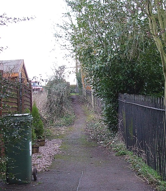 Footpath beside Holy Trinity, Gawcott