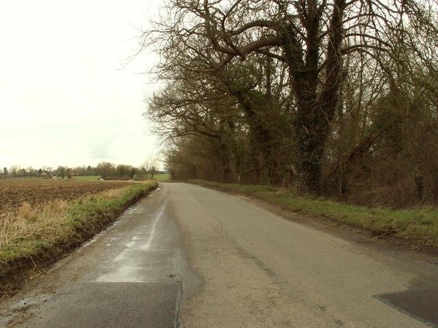 Denham Road, heading towards Hoxne