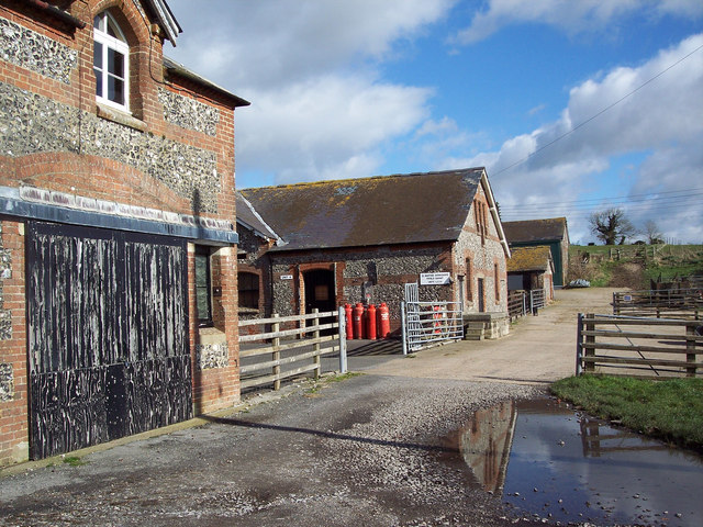 Farm buildings at Fifield Bavant