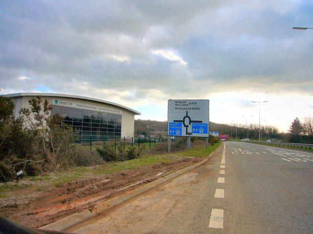 J34 M4 Roundabout