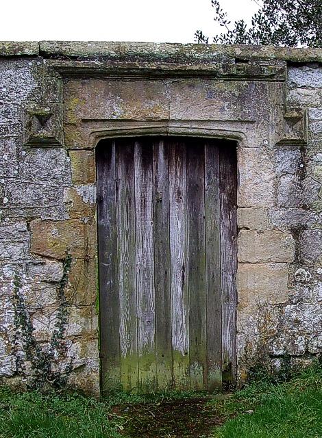 The squire's door