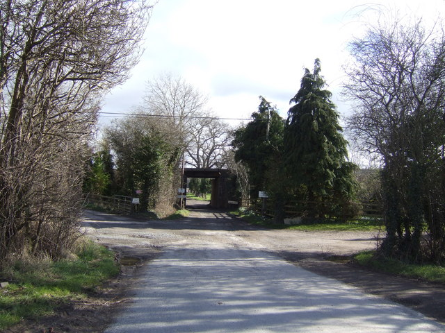 Road to Howton Court