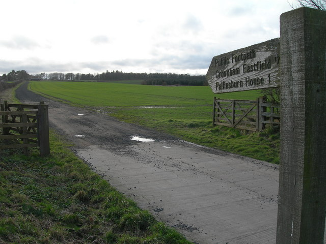 Footpath to Crookham Eastfield