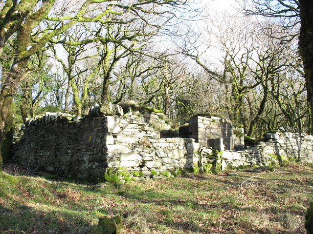 Ty Powdwr from the north-west showing the inner store and outer wall