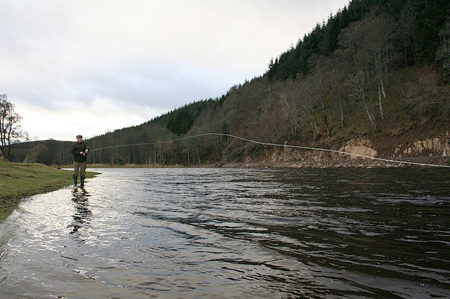 Upstream view of the Dellagyle ghillie fishing Pol Machree.