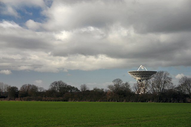 Radio telescope at Lord's Bridge