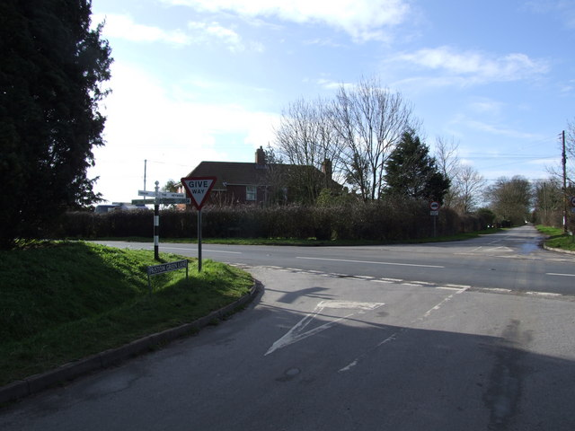 Junction of Pristow Green Lane and Long Row (B1134)