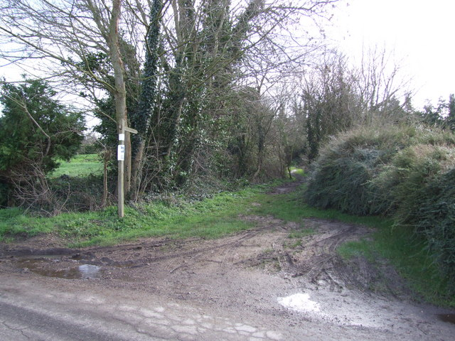 Start of Footpath going East from Pristow Green