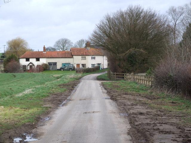 Farm Houses, Low Common
